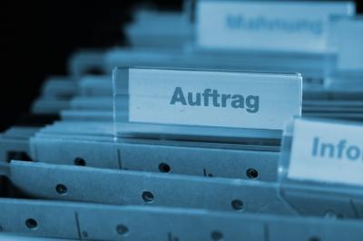 Das Auftragsbuch soll immer gut gefüllt bleiben. Bild: RainerSturm / pixelio.de