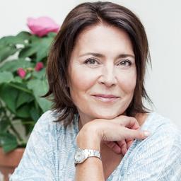 Sabine Fäth war früher u.a. Chefredakteurin der Für Sie. Jetzt hat sie ScribersHub gegründet.